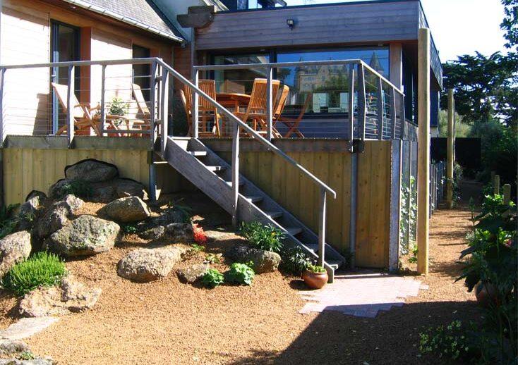 terrasse surélevée et rocaille