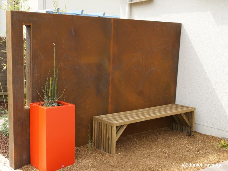 mur corten-meurtrière-banc bois-grou-bac alu orange
