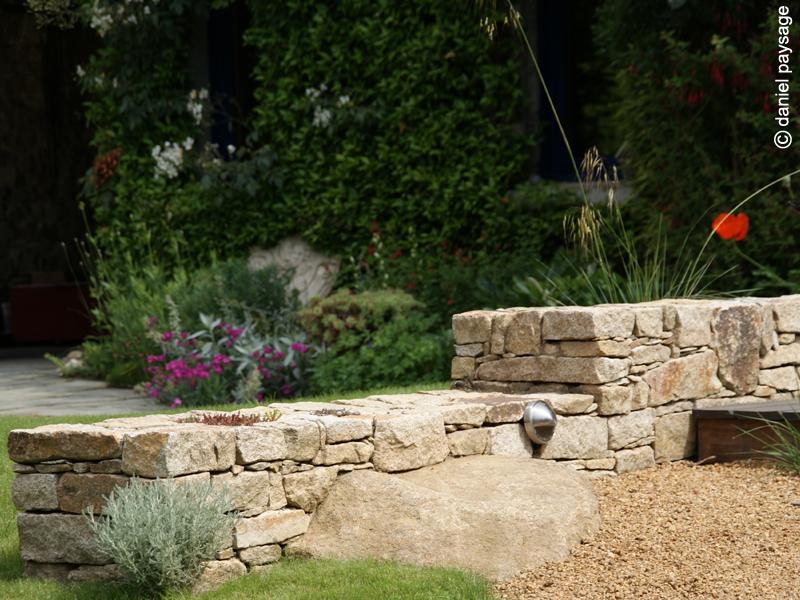 Muret-pierres sèches-roches-éclairage