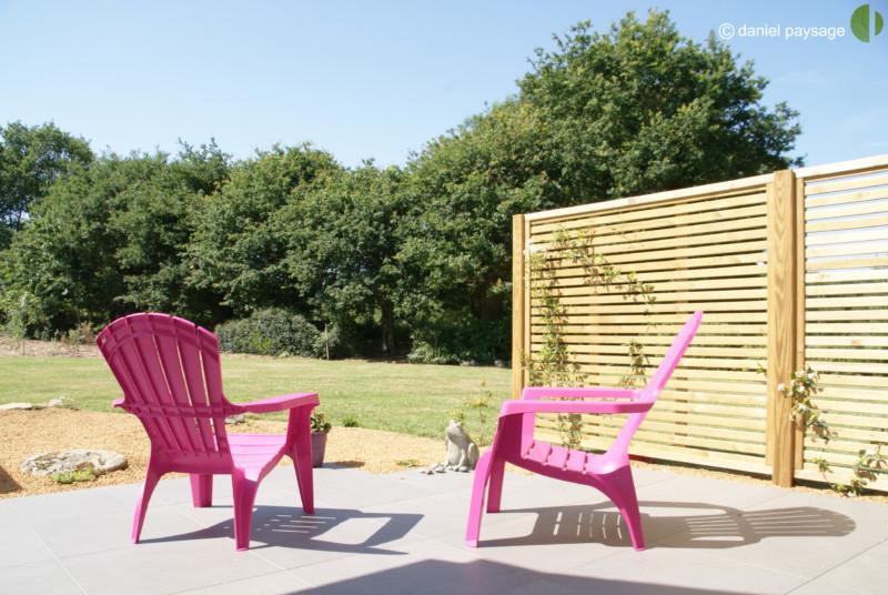 terrasse dallage palissade fauteuil de jardin